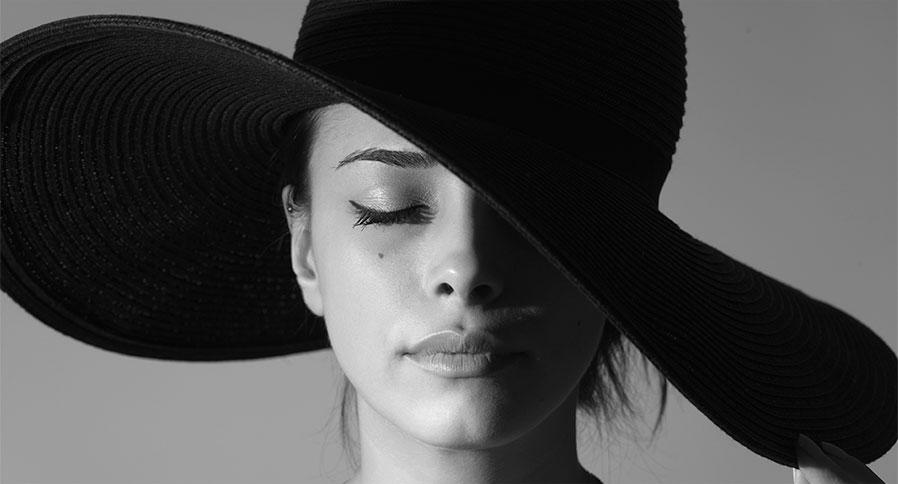 как сделать цветной черно белую фотографию